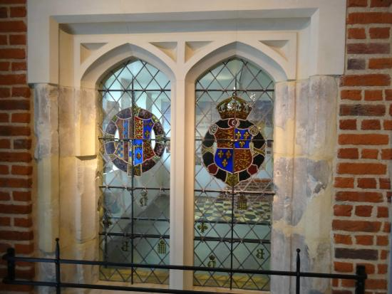 Discover Greenwich Visitor Centre: Fine example of a Tudor Window