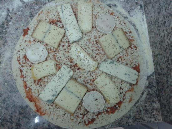 Allard'Oise : pizza 5 fromages (avant cuisson)