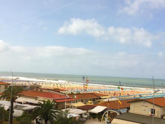 Brunella: Вид с балкона