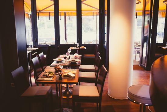 Intérieur du restaurant - Picture of L\'Idee, Levallois-Perret ...
