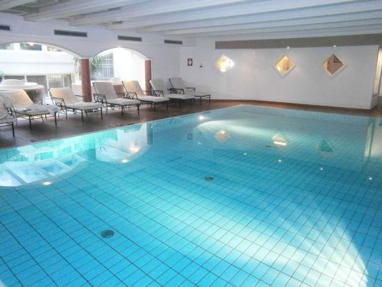 Castel Rundegg Hotel: La piscina interna