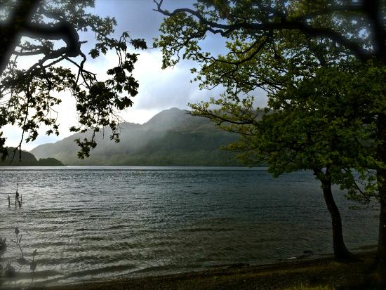 Inverbeg Holiday Park: Loch Lomond and Ben Lomond in stormy weather