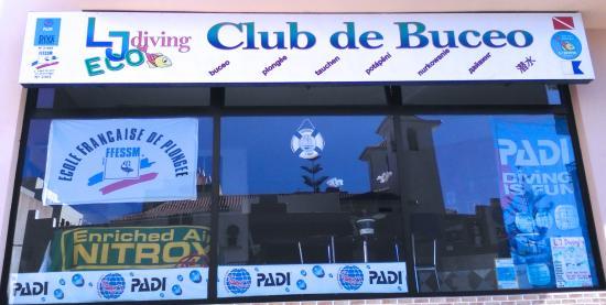 L&J Diving Tenerife: Dive center - PADI DIVE RESORT