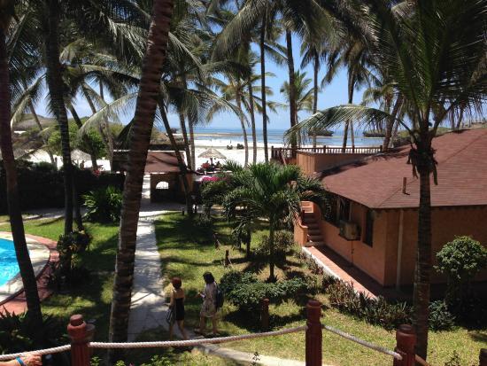 Crystal Bay Resort: Discesa verso la spiaggia