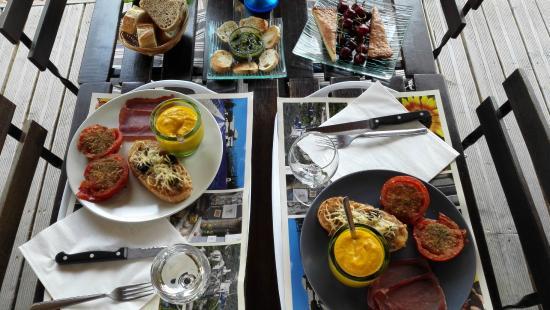 Le Jardin D'ivana: La cena provenzale