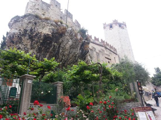Hotel Modena: The castle