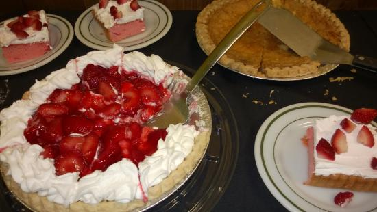Aubrey, TX: Pie on the Buffet