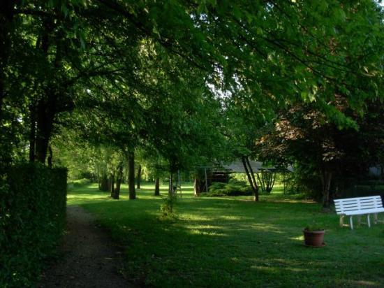 Le Jardin de la Reyssouze : vue du parc