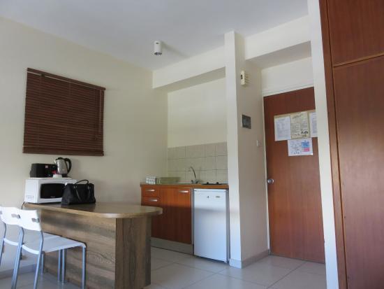 Lordos Hotel Apartments : Kitchen