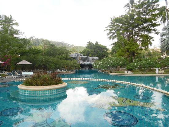 Duangjitt Resort & Spa: see how big the pool is