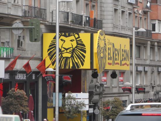 Lope de Vega Theater : entrada del teatro