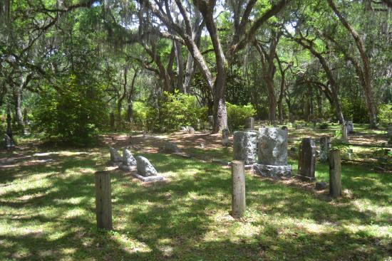Micanopy Cemetery: DON'T Lounge Around Under These Trees- Limbs Break = Join The Residents Here