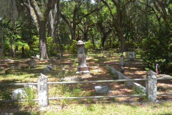 Micanopy Cemetery: Enjoy the History Here- Headstones from Civil War times