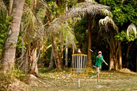 Leam Sor Beach Disc Golf & Acoustic Bar