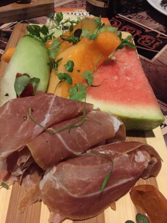 The Globe - Belgian GastroPub : Jamon and melon