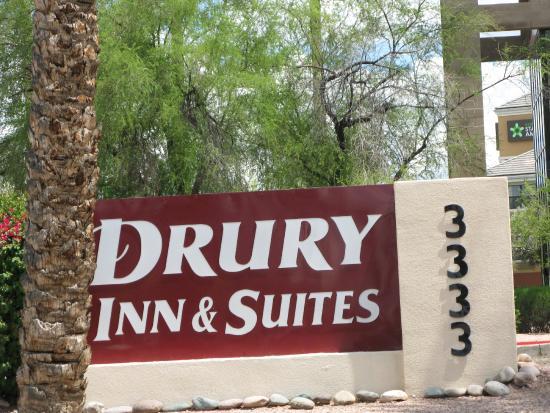 Drury Inn & Suites Phoenix Airport: Welcome to the Drury