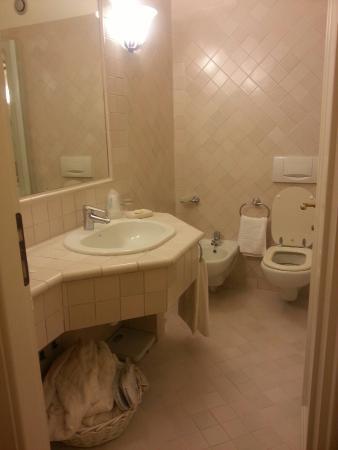 hotel villa ottone bagno vasca idromassaggio