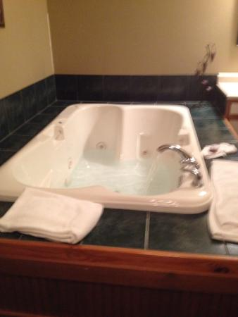 Dinner Bell Ranch and Resort : Great over size jacuzzi