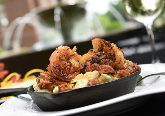 Grille 29: Cast Iron Shrimp and Grits