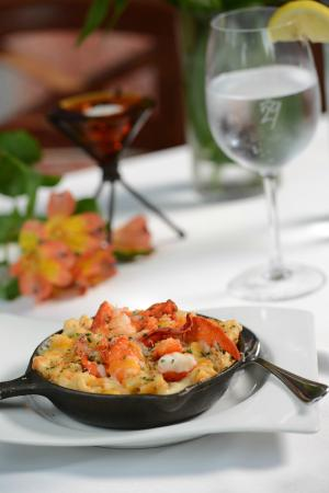 Grille 29: Lobster Mac 'N Pimiento Cheese