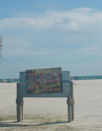 Siesta Key Bungalows: SIesta Key Beach Entrance