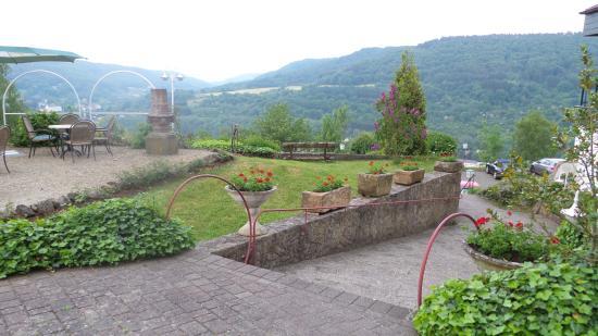 Uitzicht vanuit Waldhotel Sonnenberg op het landschap