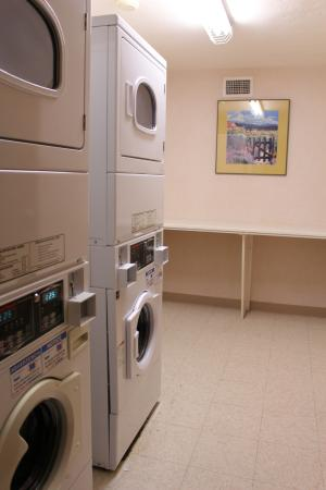 Hampton Inn & Suites Los Alamos: Keep your clothes clean with our convenient guest laundry