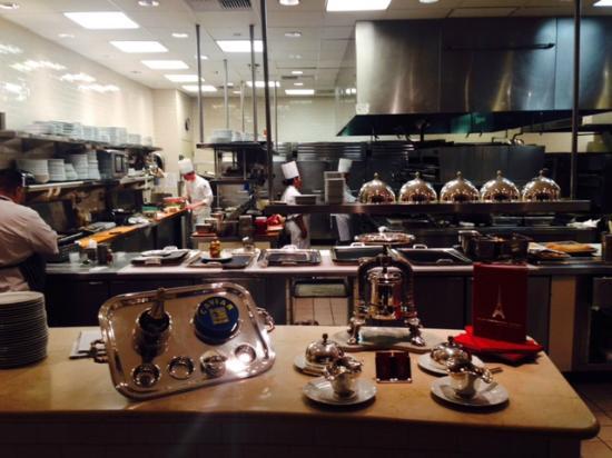 cozinha picture of eiffel tower restaurant at paris las