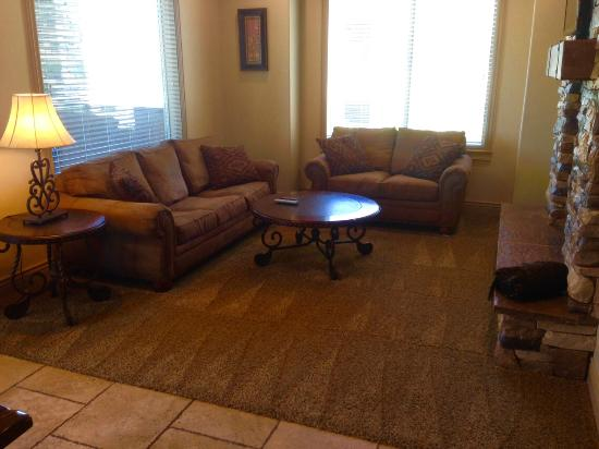 Coral Springs Resort: Family Room