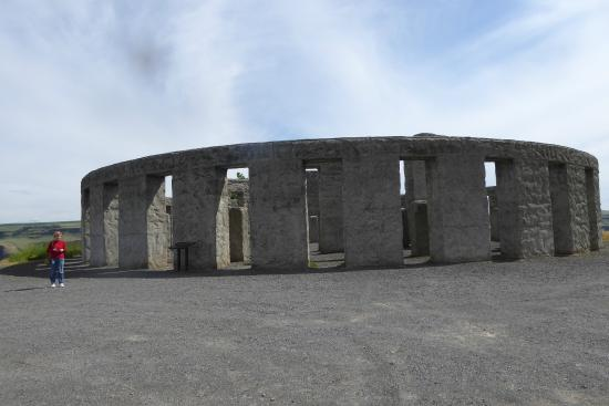 Stonehenge Memorial: It's hard to get the size in perspective but this is the same size as the European original