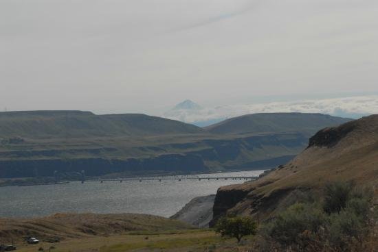 Stonehenge Memorial: View of the Columbia River and valley from the monument site