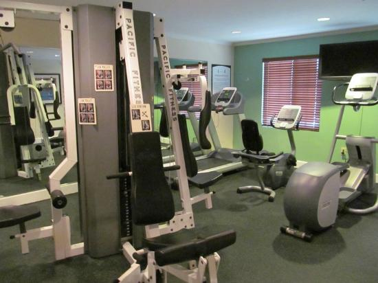 Staybridge Suites San Antonio NW Medical Center: Free fitness center for your health goals