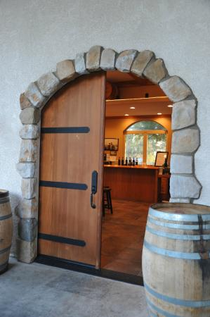 Long Creek Winery: The entrance to the tasting room