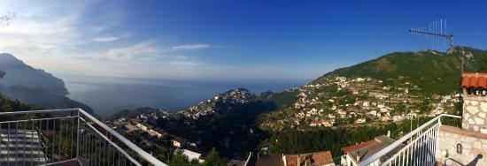 Agriturismo Monte Brusara: panorama terrazza