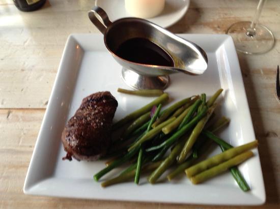 rinderfilet steak mit bohnen und rotweinso e bild von fleischerei berlin tripadvisor. Black Bedroom Furniture Sets. Home Design Ideas