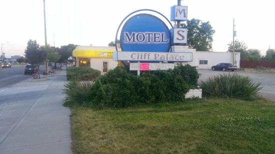 Cliff Palace Motel