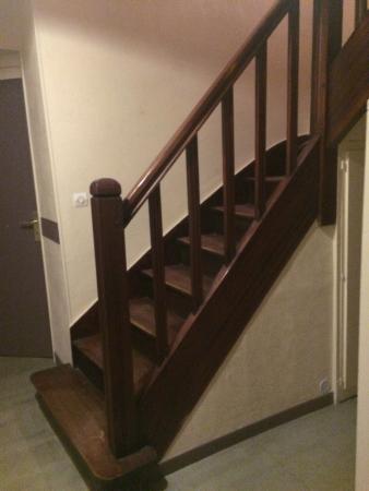 Hotel Restaurant Saint-Melaine : escalier
