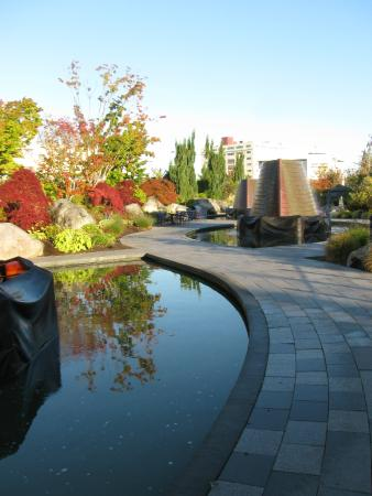 Harborside Fountain Park : October at Harborside park