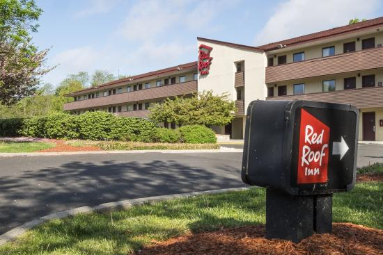 Red Roof Inn Tinton Falls-Jersey Shore: Hotel Entrance
