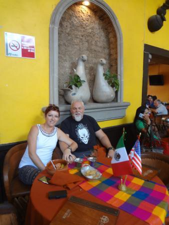 El Patio Tlaquepaque : at our table