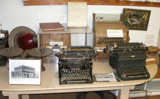 Milwaukie, OR: Typewriters