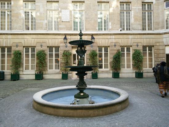 Galerie  du Credit Municipal  de Paris