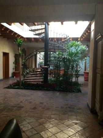 Casa Magica Hotel: escaleras de caracol