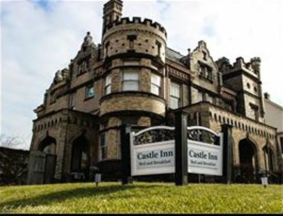 Castle Inn Bed and Breakfast: Our beautiful Castle!