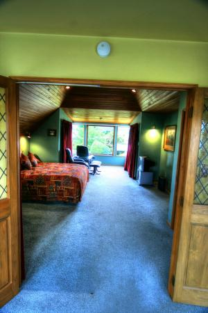 Te Waka Lodge: Our bedroom