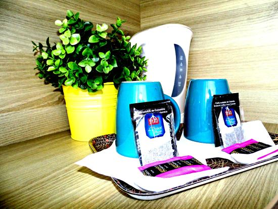 So'Lodge Niort A83 : Plateau thé café offert dans chaque chambre