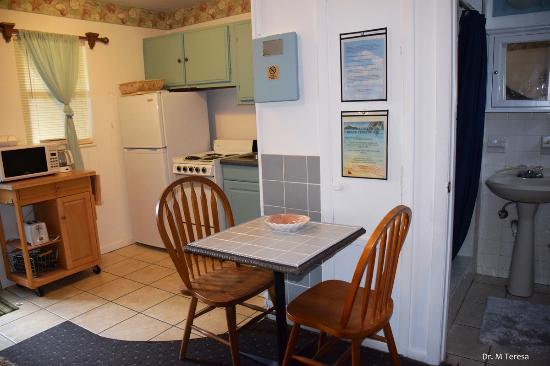 Beach Croft Motel: Kitchenette