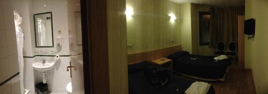 Hostal Abrevadero: chambre deux personnes avec salle de bain privée
