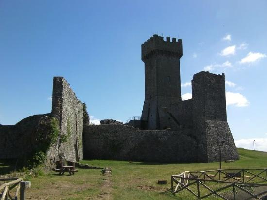 Albergo Angiolino : Castle of Radicofani...