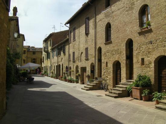 Albergo Angiolino : Town of Pienza...